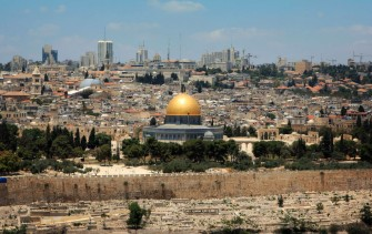 Jerusalem_ViewFromMountofOlives_EveChafarnski_123rf1280-1024x645